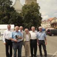 von links: Direktor des Kulturhauses Petr Valeš, Ladislav Kubeš, Verleger Gerhard Sulyok, Autor Miloň Čepelka, Jaroslav Zeman, Bürgermeister Jindřich Bláha.